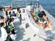校記有機會登上水警訓練輪,參觀船上各種設施,非常難得。