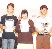 校記刁雋謙(左)、謝斯斯(中)、吳宇峰(右)與黎浩珊,分別家住紅磡、大圍和天水圍,平日採訪前的會議,多在社交網站和電話進行。