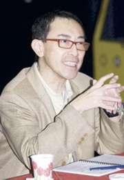 毛俊輝在香港演藝學院執教15年,深受學生尊重。由於他在授課時非常肉緊,有時又「大癲大肺」,故有「神奇小子」之稱。