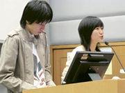 葉素琪(右)