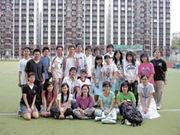 訪問後,馮嘉奇(後排左七)與校記來個大合照。